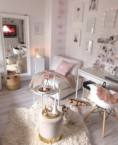 Velvet stool Harlow - Cozy in pink! The cold days can be endured in this cozy living room in soft pink. Cute Room Decor, Room Decor Bedroom, Girls Bedroom, Bedrooms, Bedroom Ideas, Cozy Living Rooms, Home And Living, Velvet Stool, Aesthetic Room Decor