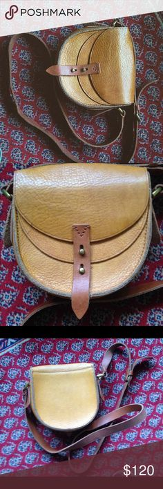 """Euc Madewell Satchel mini bag crossbody purse tan MADEWELL The Mini Crossbody $128 Leather Bag    Product Details     Leather.   Double clasp closure.   Dual compartments.   23 ' strap drop.  6.5 H x 7.25 W x 5.5 """"D.  Import. Madewell Bags Crossbody Bags"""