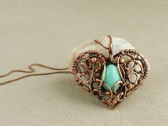 Items similar to Mint heart - Wire Pendant - Copper pendant - Aero blue - Wire jewelry - Vintage style on Etsy Copper Jewelry, Wire Jewelry, Jewelry Crafts, Jewelry Art, Beaded Jewelry, Handmade Jewelry, Jewelry Design, Jewlery, Copper Bracelet