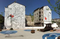 "Millo, ""Everyone Is Searching for It"" – Milan, Italy - Flickr @Irene Grassi Graffiti Murals, Mural Art, World Street, Italian Street, Street Mural, Black And White Painting, Urban Setting, Italian Artist"