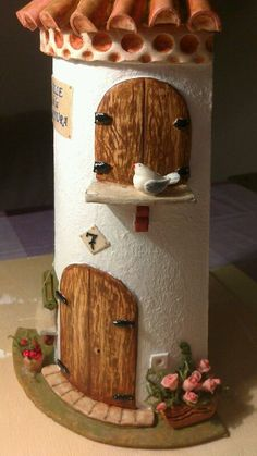 Tile Crafts, Clay Crafts, Wood Crafts, Diy And Crafts, Arts And Crafts, Clay Houses, Ceramic Houses, Clay Art Projects, Diy Projects