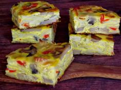CAIETUL CU RETETE: Frittata cu paste si legume Frittata, Omelet, Appetizer Sandwiches, Appetizers, Cooking Tips, Cooking Recipes, Healthy Recipes, 30 Minute Meals, Bread Rolls