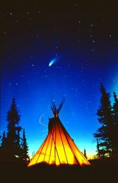 This photo from the TrekLens travel gallery is titled 'teepee under hale bopp Photo'. Native American Teepee, Native American Paintings, Native American Pictures, Native American Wisdom, Native American Beauty, Native American Indians, Native Indian, Native Art, Tenda Camping
