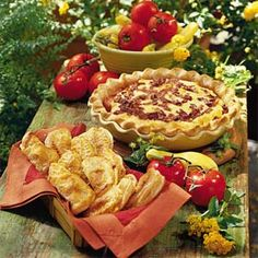 Summer Garden Pie - With fresh tomatoes, cheese, bacon, and sweet onions this pie looks delish! Can't wait to try it!!