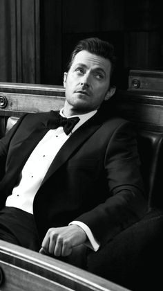 Richard Armitage looking casually dashing and making me feel all sorts of ways.