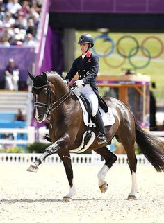 theawkwardblack3questrian:  horses-and-hooves:  Valegro  Because they are awesome