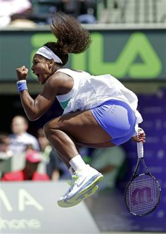 Serena Williams celebrates her 6-3, 7-6(5) win against Li Na, of China, during the Sony Open tennis tournament in Key Biscayne, Fla., Tuesday, March 26, 2013. (AP Photo/Alan Diaz)