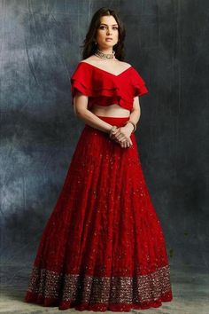 I bet all of you at some point of time have wondered what is Priyanka Chopra Sabyasachi Lehenga Cost? Well, in this post, I tell you exactly that. Sabyasachi Wedding Lehenga, Red Wedding Lehenga, Red Lehenga, Indian Lehenga, Saree Blouse Neck Designs, Choli Designs, Lehenga Designs, Blouse Patterns, Mehndi Designs