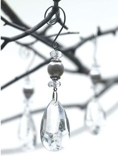 Real glass crystal drops for our blinged out centerpieces ! I like the pearl accent. 24 Crystal Tree Strands