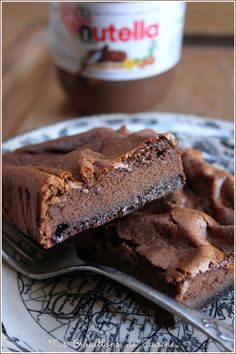2 ingredients, 1 cake: Decadent squares with Nutella® – My drafts of … - Nutella-Rezepte Brunch Recipes, Sweet Recipes, Dessert Recipes, Nutella Cookie, Delicious Desserts, Yummy Food, Nutella Recipes, Almond Cakes, Savoury Cake