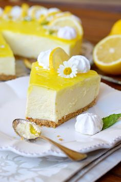 Torta fredda al limone Sweet Recipes, Cake Recipes, Dessert Recipes, Recipes Dinner, Food Cakes, Kolaci I Torte, Torte Cake, Sweet Cakes, Sweet And Salty