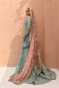 Shadi Dresses, Pakistani Formal Dresses, Pakistani Fashion Party Wear, Nikkah Dress, Pakistani Wedding Outfits, Indian Bridal Outfits, Pakistani Bridal Dresses, Pakistani Dress Design, Desi Wedding Dresses