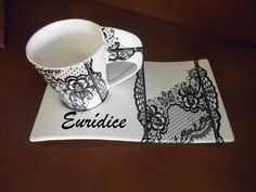 Chá Lace Painting, China Painting, Glass Flowers, Hand Painted Ceramics, Lace Design, Ceramic Mugs, Cup And Saucer, Dinnerware, Coffee Cups