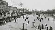 vintage everyday: 20 Vintage Pictures of Atlantic City Beach in the Beach Images, Beach Photos, Old Photos, Rare Photos, Shorpy Historical Photos, Vacation Days, Vacation Memories, Beach Boardwalk, Atlantic City