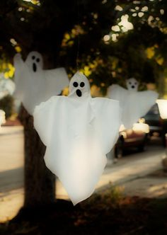 DIY Halloween : DIY Ghosts A Fantastic Family of Phantasms