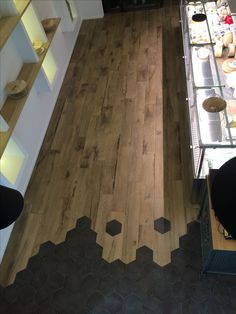 Creation of floor tiles, tiles & parquet Mix of materials - Modern Parquet Tiles, Interior And Exterior, Interior Design, Floor Design, Kitchen Flooring, Home Remodeling, Tile Floor, Architecture Design, Sweet Home