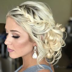 "Bridesmaid from today's #Islandmorada Wedding!! I'm OBSESSED  Can you even believe she has short fine hair? Yes, these styles are possible, by adding in clip-in extensions!   Would you like to learn styles like this? Come to my collab class with @leysahairandmakeup ""Pastels & Pretty Updos""  Learn amazing pastel coloring techniques from @leysahairandmakeup and Updos by me! Direct link in bio for tickets and more info!!!   .  .  .  ."