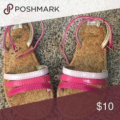 Sandals worn once Sandals worn once Gap Shoes Sandals & Flip Flops