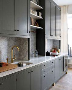 53 Elegant Grey Kitchen Design Ideas for Modern Home Kitchen Craft Cabinets, Kitchen Cabinet Design, Kitchen Interior, New Kitchen, Kitchen Ideas, Storage Cabinets, Grey Kitchen Designs, Apartment Design, Apartment Living