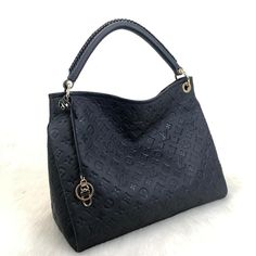 Louis Vuitton Artsy Empreinte Genuine leather, symmetrical cut, with imported accessories Size: cm Louis Vuitton Handbags Crossbody, Louis Vuitton Wallet, Louis Vuitton Neverfull, Louis Vuitton Speedy, Louis Vuitton Monogram, Cheap Handbags, Luxury Handbags, Purses And Handbags, Louis Vuitton Artsy Mm