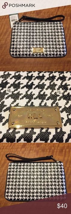 Lauren Ralph Lauren Zipper Clutch NEVER BEEN USED Black and White houndstooth zipper clutch wristlet from Lauren Ralph Lauren. Still has the tags and the internal packaging. No trades. No paypal. Price up for negotiation Lauren Ralph Lauren Bags Clutches & Wristlets