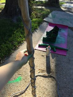 The beginning of maleficent staff. Got a piece of bamboo behind my house and used extra instillation piping to wrap around to give it texture. Halloween House, Halloween 2017, Spooky Halloween, Halloween Ideas, Halloween Party, Maleficent Halloween, Maleficent Horns, Maleficent Costume, Homemade Halloween Costumes