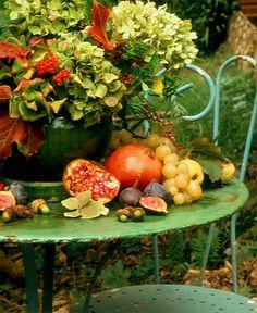 Al Fresco Autumn in Provence& Fall Home Decor, Autumn Home, Early Autumn, Fruits Decoration, Autumn Table, Fall Fruits, Harvest Time, Autumn Harvest, Gardening
