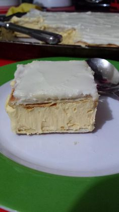 Recipe Picture:Vanilla Slice Made Easy with Lattice Biscuits Baking Recipes, Cake Recipes, Dessert Recipes, Vanilla Recipes, Custard Recipes, Oven Recipes, Yummy Treats, Sweet Treats, Yummy Food