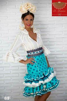JaKaranDa added a new photo. Casual Fashion Trends, Boho Fashion, Fashion Dresses, Gorgeous Latina, Flamenco Costume, Flamenco Dresses, Anniversary Dress, Fiesta Dress, Flamingo Dress