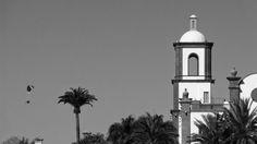 Desde las Islas Canarias  ..Fotografias  : La Torre y el Parapente ...Meloneras ..Maspalomas ...