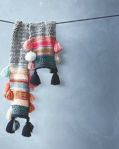 Being Bohemian: Cold Weather Accessories(Diy Ropa Interior) Knitting Projects, Crochet Projects, Knitting Patterns, Crochet Patterns, Crochet Scarves, Crochet Shawl, Knit Crochet, Crochet Capas, Cocoon