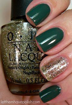 i love that green nail polish!!!