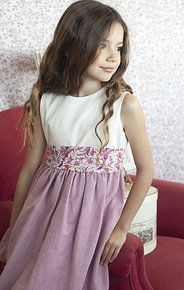 like this style Rose Bonbon, Fuchsia, Pretty Outfits, Cute Kids, Flower Girl Dresses, Girls Dresses, Lily, Wedding Dresses, Clothes