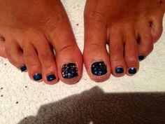 Stars Navy Red carpet manicure