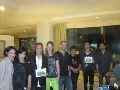 """The famous Indonesian band SLANK supports Selamatkan Yaki!   Last wednesday, we had a """"Meet"""" with Abdee and his band SLANK. During their concert in Manado that evening their singer Kaka said to the public: """"Please save the yaki, do not eat them!""""   Thanks you SLANK for your support!"""