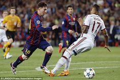 Worst Misses By Teammates From Messi Passes Lionel Messi vs His Teammates Lionel Messi, Cr7 Vs Messi, Messi And Ronaldo, Good Soccer Players, Best Football Players, Football Moms, Uefa Champions, Champions League, Messi Boots
