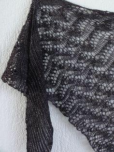 Broken Wings by Joji Locatelli, knitted by Bewoolbecool | malabrigo Sock in Eggplant