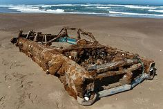 Art & Inspiration - 64 Bonneville wagon, rust in peace | The H.A.M.B.