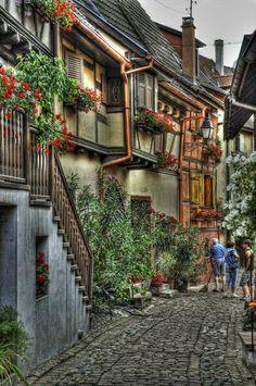 walk village Eguisheim, Haut-Rh - lolosbri | ello