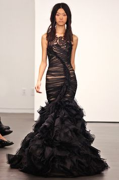 I wouldnt wear a black dress for my wedding personally but this is amzing. Black wedding dress from Vera Wang, Fall 2012 Colored Wedding Dresses, Wedding Gowns, Essense Of Australia, Black Bride, Couture Dresses, Beautiful Gowns, Vera Wang, Bridal Style, Ball Gowns