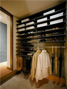 Interior Architecture, Interior And Exterior, Interior Design, Japanese Architecture, Floor Molding, Shoe Room, House Entrance, Japanese House, Home Hacks