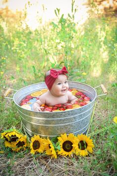 Fruit baths have quickly become the new craze w. Summer Baby Pictures, 6 Month Baby Picture Ideas, Baby Girl Pictures, Country Baby Pictures, Milk Bath Photos, Bath Pictures, Baby Milk Bath, 1st Birthday Photoshoot, Baby Fruit