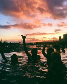 Sommer summer pictures friend pictures, best friend goals, s Summer Nights, Summer Vibes, Summer Fun, Cute Friends, Best Friends, Summer Goals, Best Friend Pictures, Summer Pictures, Lake Pictures