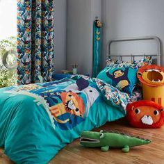 Stylish and contemporary duvet covers available from Dunelm. Our bed linen range includes a variety of colours and patterns, all made with high quality material and in every size, from single to king size duvet covers.