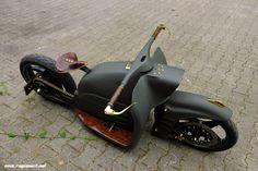 Bike Bmw, Bobber Motorcycle, Motorcycle Design, Motorcycle Style, Bike Design, Softail Bobber, Mini Bike, Custom Motorcycles, Custom Bikes