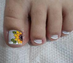 Toe Nail Art, Toe Nails, Flower Nail Designs, Acne Remedies, Flower Nails, Pedicure, Glitter, Beauty, Toenails