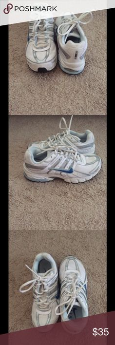 Nike Air HARDLY WORN Nike Shoes Athletic Shoes