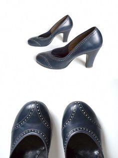 866e7cc1d16 Wingtip 40s Shoes / 1940s Shoe / Navy Shoe / by MinxouriVintage, $62.00  #shoesheelsclassy