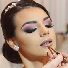 Amazing Wedding Makeup Tips – Makeup Design Ideas Wedding Makeup Tips, Wedding Hair And Makeup, Bridal Makeup, Wedding Nails, Nude Makeup, Eyeshadow Makeup, Beauty Make-up, Beauty Hacks, Beauty Tips