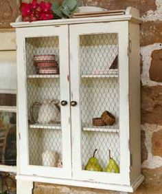 Chicken wire insert for the end utility cabinet